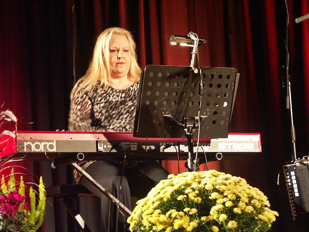 2012-Konzert Mit Kathy Kelly In Waldalgesheim-024